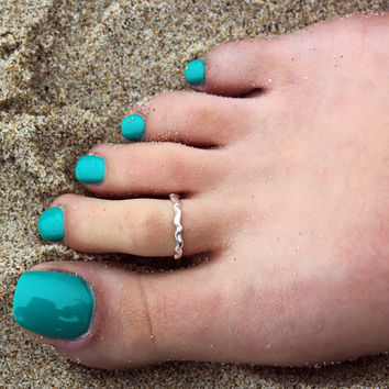 Vintage look sterling silver toe ring Plain simple wavy design toe ring adjustable toe ring (T-46) knuckle ring