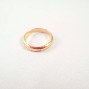 Gold Ring with 3 faux Diamond Stone SIze 9