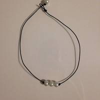Simple Knotted Pearl Necklace with 3 Pearls and Leather Cord