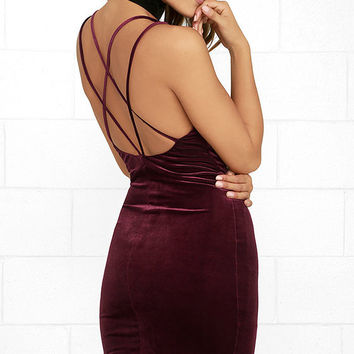 Wow-Worthy Burgundy Velvet Bodycon Dress