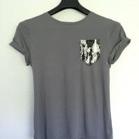 Giraffes pocket tee