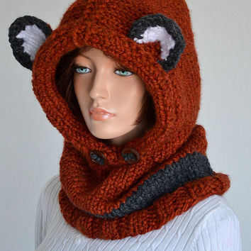 Handmade Failynn fox Cowl/ Knitted Wool Failyn Cowl/ Hooded Cowl