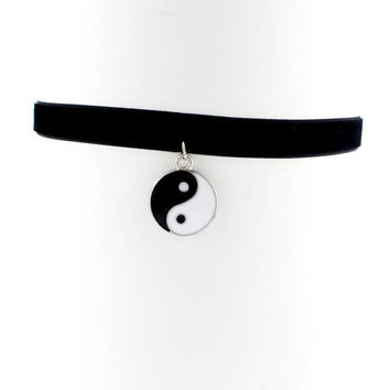 New Design Inspired Plain Black Velvet Ribbon Choker Necklace Gothic Handmade With Charm Gothic Emo For Women Collares Mujer