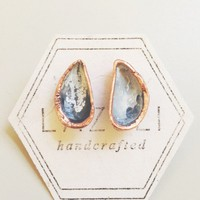 Tiny Mussel Shell Stud Earrings