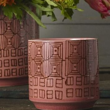 "Dark Pink Ceramic Pepe Geometric Crackle Flower Pot - 4.5"" Tall x 4.5"" Wide"