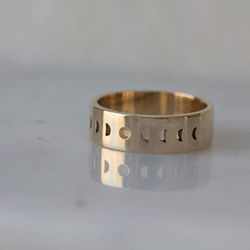 Unisex Eclipse Moon phase Band in Solid 14k gold / Wide Gold Wedding Band / Phases of the Moon Jewelry / Matching Bands / My Moon and Stars
