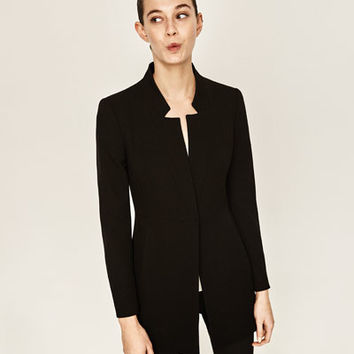 INVERTED LAPEL FROCK COAT DETAILS