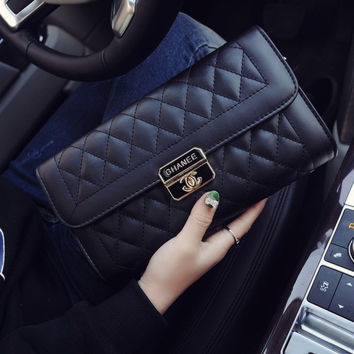 Women Classical Chic Bag On Sale = 4457629892