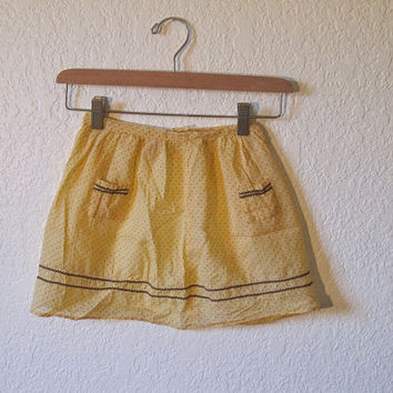 Mid Century Girls Half Apron.  Yellow Polka Dot with Rick Rack and Pockets.