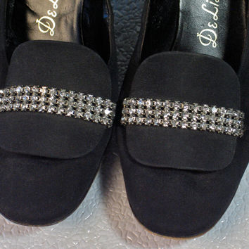 1960's Vintage Shoes Black Suede Deliso Debs with Pilgrim Rhinestone Shoe Clips Size 7 or 7.5