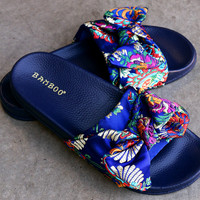 Embroidered Brocade Bow Slide Sandal | UrbanOG