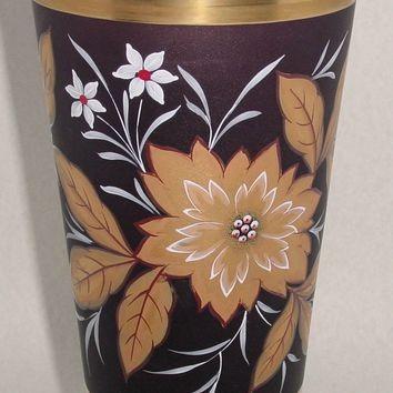 629161 Lg Ameth Vase W/Painted Gold Flowers & Leaves, White Flowers
