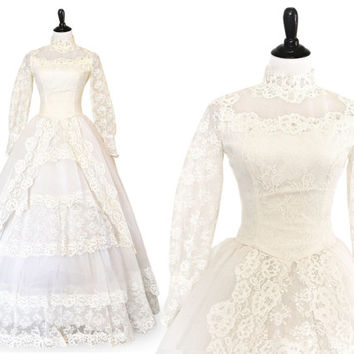 1960s Lace and Tulle Wedding Gown Romantic ILGWU