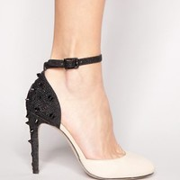 Black and nude studded pump [Ncn8923] - $104 : Pixie Market, Fashion-Super-Market