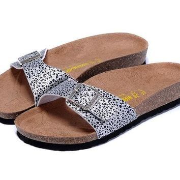 New Birkenstock Summer Fashion Casual Sandals Leather Cork Flats Beach Couple Slippers