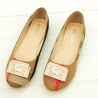 Burberry Summer Spring And Autumn Women Flats Popular Boat Shoes Woman Casual Brand Single Shoes Apricot