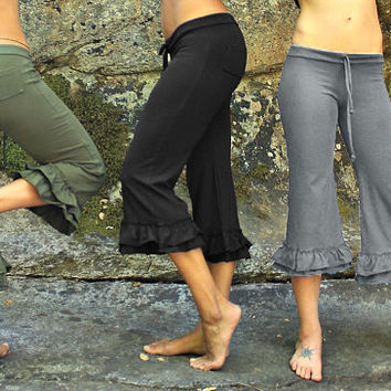 Bloomers-sustainable clothing-womens clothes-capris pants-gray capris-yoga workout pants-hippie pants-cute pants-lounge pants-lounge wear