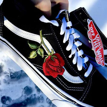 Vans Old Skool Rose Embroidery Applique Black Sneaker