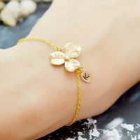 C-033 Bridesmaids bracelet, set of 4,5, or 6, Flower initial bracelet, Personalized bracelet, Simple bracelet, Gold plated