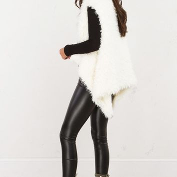 AKIRA Long Haired Furry Vest in Ivory