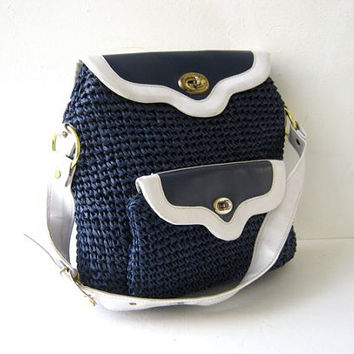 STOREWIDE SALE... 70s shoulder purse. preppy purse. woven raffia sailor bag.