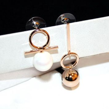 Rose Gold Round Pearl Mismatch Drop Earrings