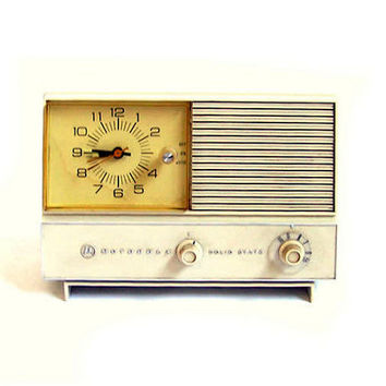 Vintage Motorola Clock Radio AM Clock Radio Mid Century Radio Alarm Clock Radio Atomic Age Era Retro Appliance