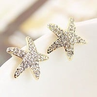 Lovely Rhinestone Star Stud Earrings from LOOBACK