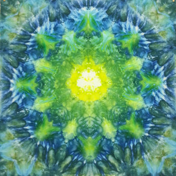 Mandala trippy tie dye tapestry wall hanging green yell blue