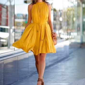 Pleated skirt sleeveless dresses