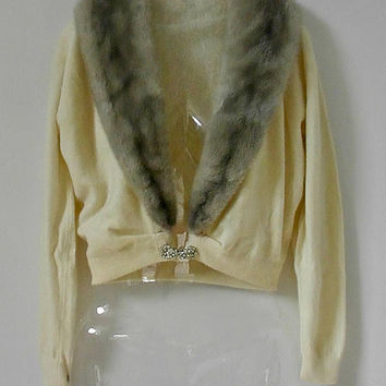 Vintage Cream Cashmere Cardigan with Detachable Fur Collar