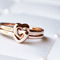 Gold Intertwined Stackable Spinning Heart Rings