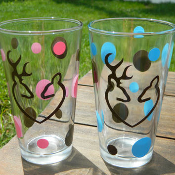 Buck and Doe in love pint glasses! Great Wedding gift, gift for mothers day!
