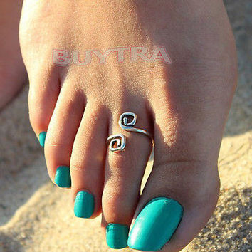 Women Fashion Simple Retro Toe Ring Adjustable Foot Beach Jewellery Good Luck