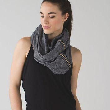 DCCKU3N vinyasa scarf *zips | women's scarves & gloves | lululemon athletica