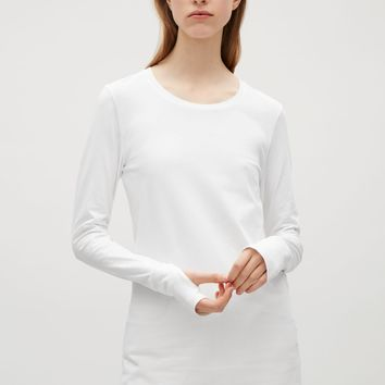 Slim-fit top with thumbholes - White - T-shirts - COS FR