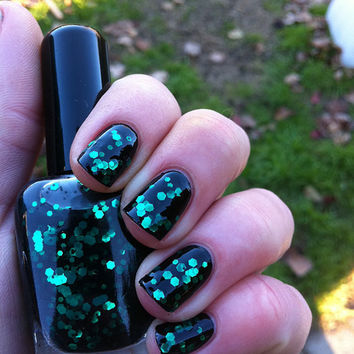 Nail polish Black forest emerald green glitter in by EmilydeMolly