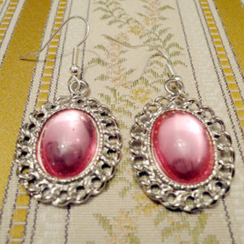 Pink vintage earrings by NellinShoppi on Etsy