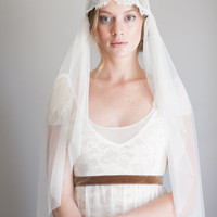 Chantilly lace trimmed Juliet cap veil in Imported English net #1008