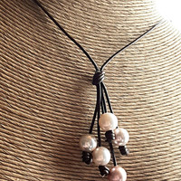 Leather and pearl drops necklace, pearl Y necklace, rustic leather necklace