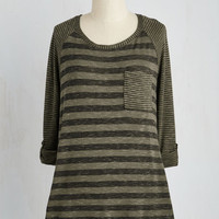 Mid-length 3 Valued Downtime Top in Olive