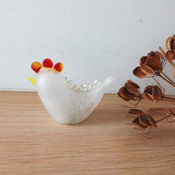 White chicken miniature, glass chicken figurine in red and white, white bird knick knack, vintage glass knick knacks, home decor