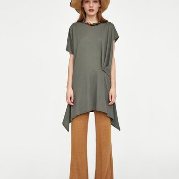 ASYMMETRIC T-SHIRT WITH PLEATS DETAILS