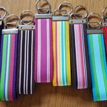 Keychain Wristlet Keyfob Keylette Key Ring PICK YOUR COLOR - Stripes Grosgrain Ribbon Webbing - Porte-clés - Ready to ship