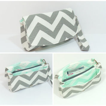 Clutch Purse, Clutch Bag, Chevron Clutch Bag, Bridesmaid Clutch, Clutch with Zipper, Clutch with Divider, Clutch with Wristlet, Carry Clutch