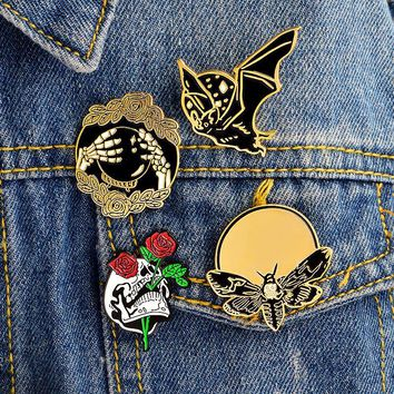 Trendy 4pcs/set Bat Bee Rose Skull Hand Ball Skeleton Brooch Punk Enamel Pins Buckle Denim jacket Shirt Collar Lapel Pin Badge Jewelry AT_94_13