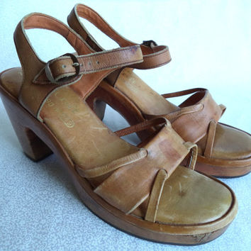 Boho leather shoe/ vintage QualiCraft leather and wood sandal/ made in Brazil size 7 shoe/ tan bohemian shoe