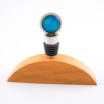 Blue Fused Glass Wine Stopper, Stainless Steel, Wood Display Stand, Dichroic Cabochon, Wine Accessories, Bottle Decor, Unique Gifts for Men