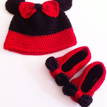 Crochet Minnie Mouse Set - Baby Girl Red Hat - Red Booties - Photo Prop - Valentines Day - Free Shipping -