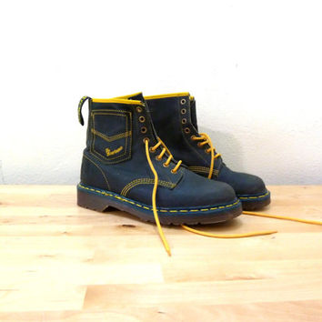 Dr Marten Boots / Leather Chukka Boots / Lace Up Boots / Navy Blue Boots / Ankle Boots / UK Size 6